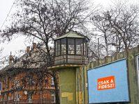 """Fidesz: az ügyvédek hozzák nyilvánosságra, mennyit kerestek a """"börtönbizniszen""""!"""
